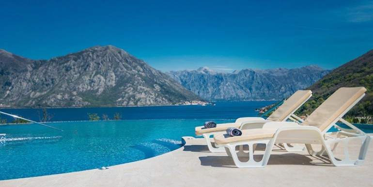 lavender-bay-view-from-the-pool-(3)